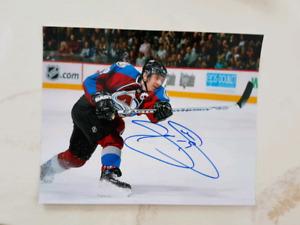 Joe Sakic Autographed 8x10 Photo