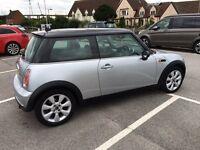 Mini Cooper. 2005. Panoramic roof. FSH. Nice clean car