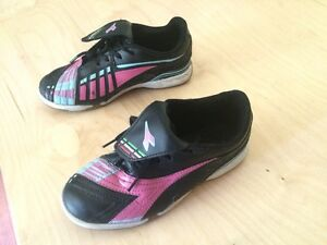Indoor soccer shoes London Ontario image 2