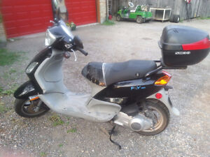 Piaggo fly 150 Gas Scooter