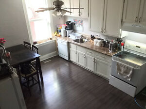 Large 3 Bedroom – Lebreton Flats/Downtown – $1950 – Avail July 1