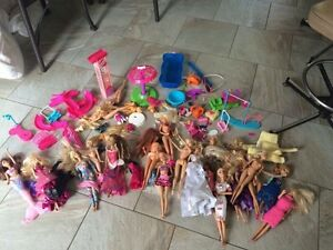 Huge lot of Barbies Barbie