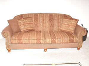 sofa et causeuse en spécial cette semaine West Island Greater Montréal image 1