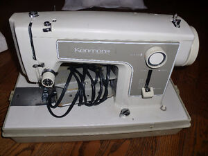 Kenmore commercial sewing machine - works great, new needle & li
