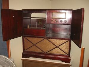 Antique radio with record player Peterborough Peterborough Area image 2