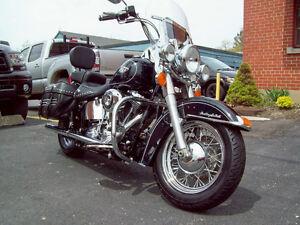 2012 Harley Davidson Heritage Softail Classic, Many Extras