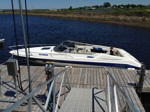 SOLD! SOLD! SOLD! 1989 Sea Ray 260 - 7.4 Litre