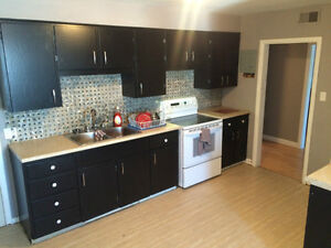 **BEAUTIFUL, CENTRAL 3BRM APARTMENT (HEAT & LIGHTS INCLUDED)**