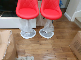 2 x Brandnew Breakfast/Kitchen bar stools red
