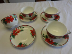 CHRISTMAS BONE CHINA LARGE CUPS WITH SAUCERS