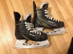 CCM Tacks 4052 Skates / Patins 13Y