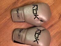 Reebok Amir Khan style boxing gloves