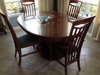 Ensemble de salle à manger - table et 6 chaises