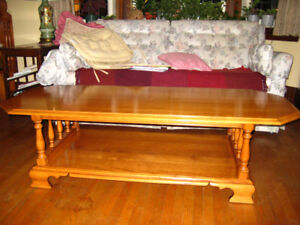 Beautiful Roxton solid maple coffee table (made in Canada)