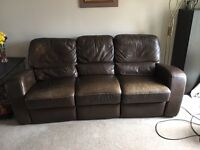 Large brown Leather electric recliner sofa/settee £1400 new now £199 for quick sale might deliver