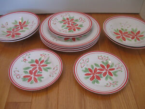 ATTRACTIVE VINTAGE 12-pc.SET MAYFAIR / JACKSON DINNERWARE