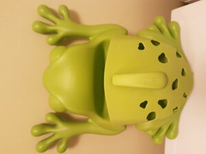 Boon frog - bath toy storage