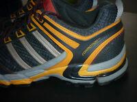 Paire de chaussure de course ADIDAS Formotion