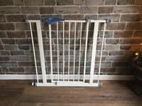 CHILD GATE £10