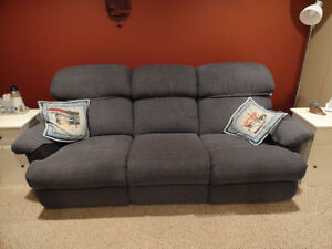 RECLINER COUCH LAZY-BOY