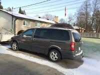 2004 Pontiac Montana Ext. Minivan, Van