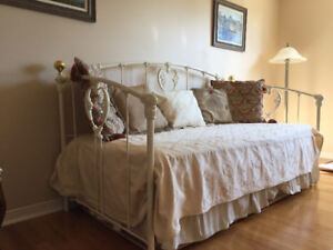 Moving Opportunity - White Day Bed/Trundel Bed