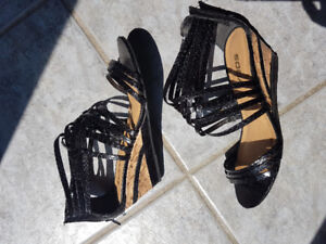 Ladies sandals size 7