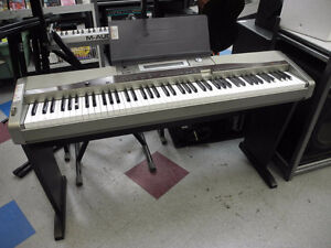 Casio Privia PX-400R Keyboard **AS IS**