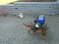 Rotoculteur TORO moteur 6.5 hp en excellente condition.