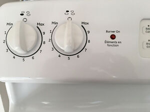 "Beautiful ge 30"" stove clean inside out Kitchener / Waterloo Kitchener Area image 2"