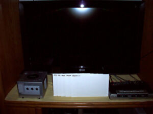 """LG 32"""" Inch LCD Flat Screen TV With Original Remote."""