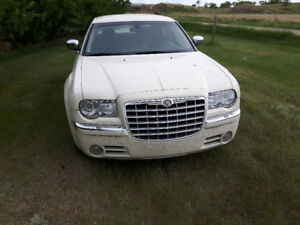FOR SALE: Chrysler 300 C