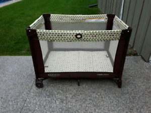 Graco Pack and Play *Delivery Available*