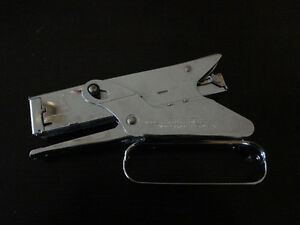 arrow P-22 Stapler Gun for paper and office use
