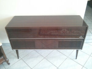 Antique Grundig Stereo Record Player Radio Cabinet