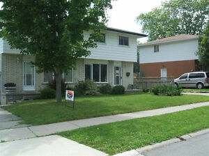 Student room for rent all inclusive, 4-month lease minimum Kitchener / Waterloo Kitchener Area image 1
