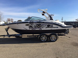 LIKE NEW - 2012 CHAPARRAL WAKE BOAT - MUST GO Regina Regina Area image 1