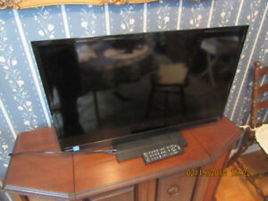 "Toshiba 32"" LED TV 720p 60Hz HDTV"