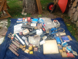 Large lot of assorted car parts $40 obo for the lot