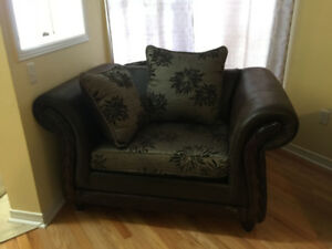 Beautiful New Dark-Coloured Sofa Set for Sale!