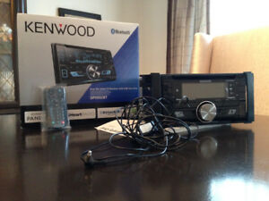 Selling KENWOOD Car Stereo System $60 or best offer!