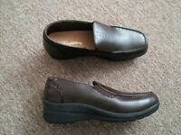 BRAND NEW LADIES TRADITION BROWN SHOES SIZE 9