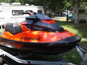 2017 SEADOO RXT X 300HP WITH TRAILER