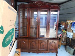 2 Piece Diningroom Cabinet