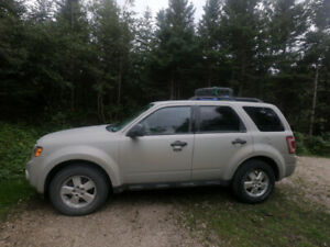 2009 Ford Escape XLT 4x4 140,000kms