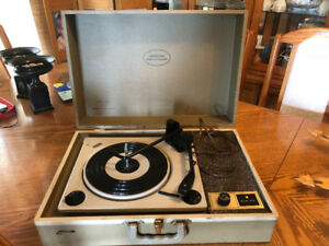 Vintage Marconi Port-0-Player