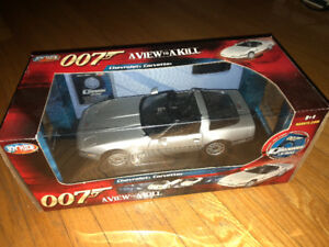 JOYRIDE 1:18 JAMES BOND 007 CHEVROLET CORVETTE A VIEW TO KILL