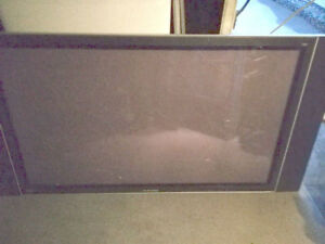 a vendre plasma tv samsung for parts/pieces 20$ MODEL HP-P 5031