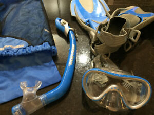 SEA DOO snorkelling gear, 2 full sets, near new condition