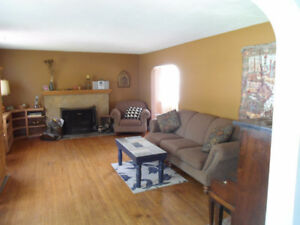 Close to Niagara College. Available now